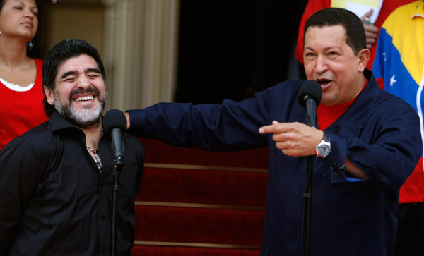 En repetidas ocasiones, Hugo Chvez y Maradona manifestaron su amistad. (AP)