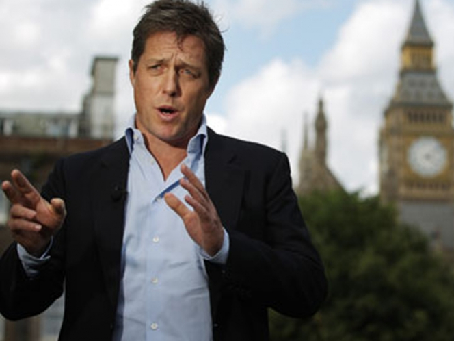 Hugh Grant pide regular la prensa