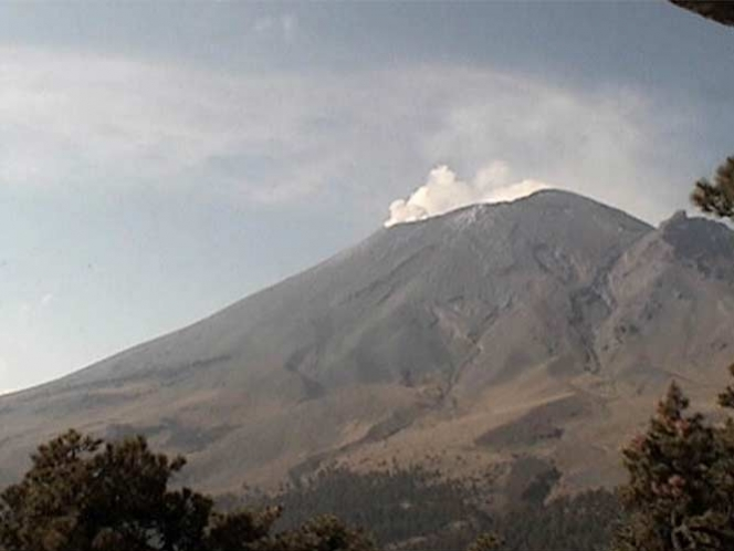 Reporta Cenapred tremor de gran amplitud en el Popocatpetl